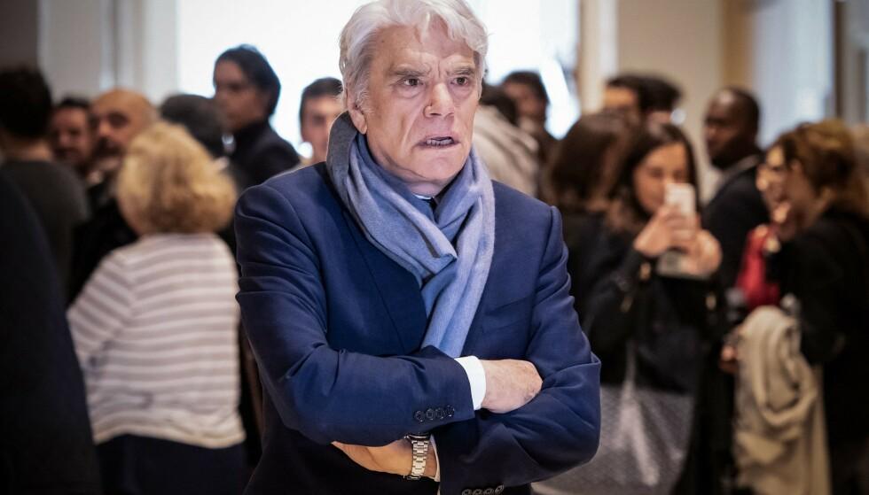 VOLDELIG RAN: De kontroversielle, franske forretningsmannen Bernard Tapie ble utsatt for et voldelig innbrudd i helga. Foto: BERTRAND GUAY / AFP
