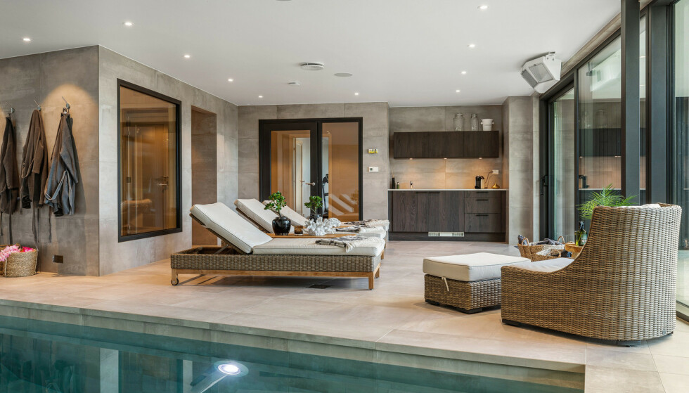SPA: I villaens underetasje finner man blant annet et innendørs svømmebasseng, samt badstue. Fotograf: Espen Wilhelmsen / Wilhelmsen Photography AS