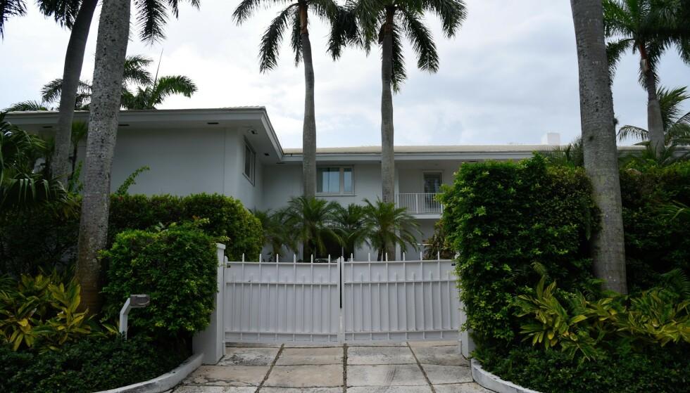 FORLATT: Ifølge internasjonale medier har Epsteins Florida-villa vært ubebodd siden finansmannen døde i 2019. Nå er huset jevnet med jorda. Foto: NTB
