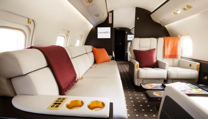 GULL: Kasjmirtepper og gulldetaljer pryder noen av privatflyene til VistaJet. Pressebilde: VistaJet