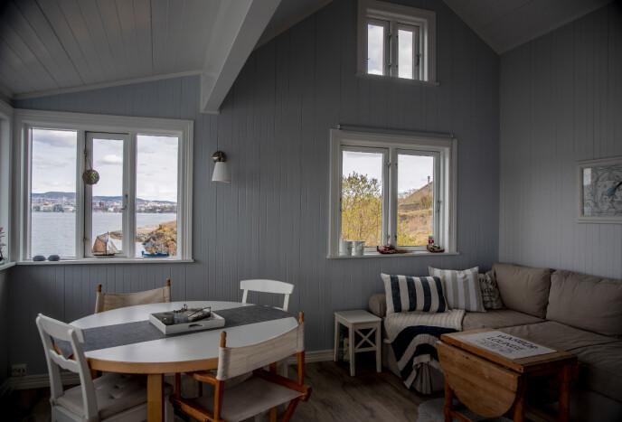 REVET i 2013: Det er strenge krav knyttet til oppussing av hyttene i Oslofjorden. Tidligere hytteier av dette objektet, fikk imidlertid tillatelse til å rive og bygge nytt i 2013. Foto: Bjørn Langsem / Dagbladet