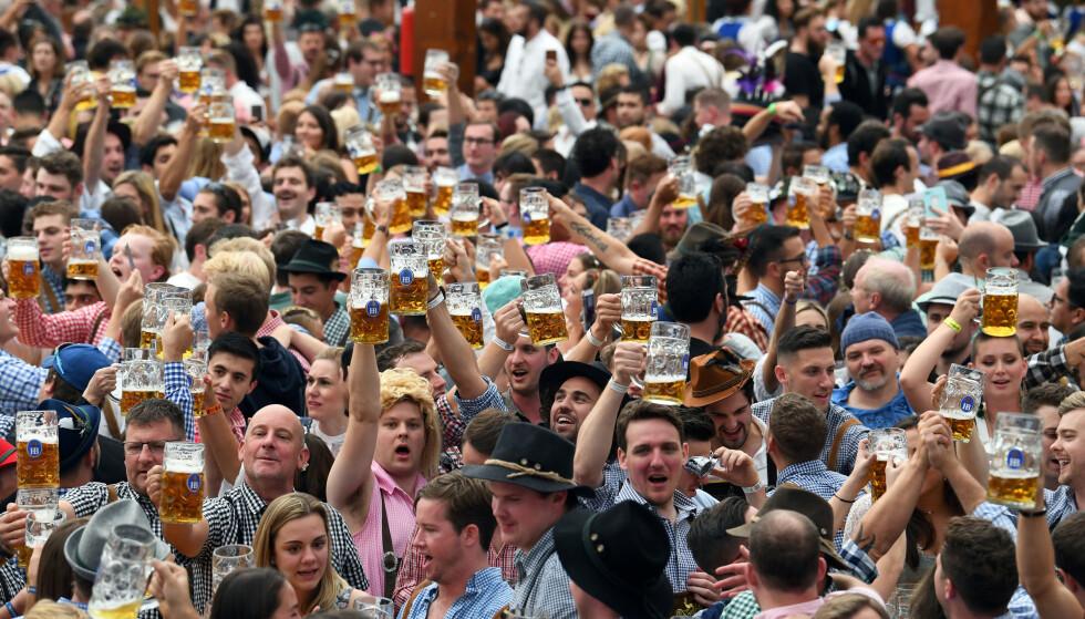 FØR PANDEMIEN: Oktoberfest i München i 2019. Foto: Andreas Gebert / Reuters / NTB