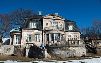 Kjøpte villa: Beboer nekter å flytte