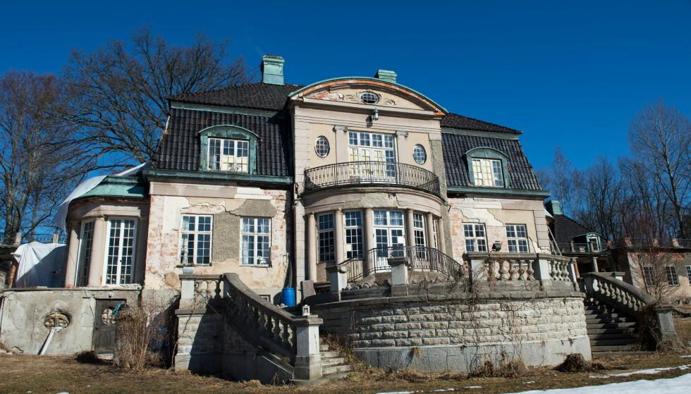 BISARR BOLIGKONFLIKT: Det krangles heftig om eierskapet til «Villa Kassman» - en kjent prakteiendom på Storholmen i Sverige. Foto: Anna-Lena Mattsson / NTB