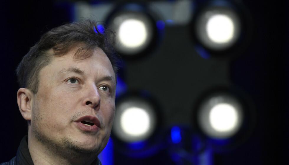 SETTER NED FOTEN: Elon Musk vil ikke lenger godta betaling i Bitcoin. AP Photo/Susan Walsh/ NTB