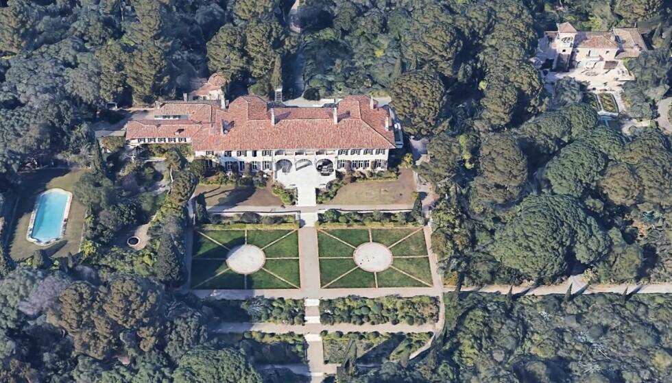 ENORMT: Herregården ligger på en 100-måls tomt, og skal være verdt over 1 milliard kroner. Foto: Google Earth
