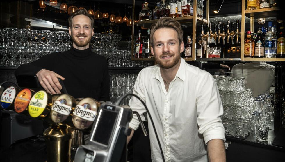 KAMPKLARE: Markus Gjelseth (t.v.) og Joppe Gjelseth er brødre og administrerende direktører for Mat og Drikke-gruppen i Oslo. Nå håper de på vedvarende åpning i hovedstaden. Foto: Hans Arne Vedlog / Dagbladet