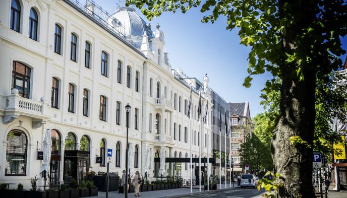 EN DESTINASJON: Det 150 år gamle hotellet Britannia i Trondheim sentrum har som mål å være en destinasjon i seg selv. Det fungerer dårlig uten å kunne selge alkohol, forklarer hotelldirektøren. Foto: Hans Arne Vedlog / Dagbladet