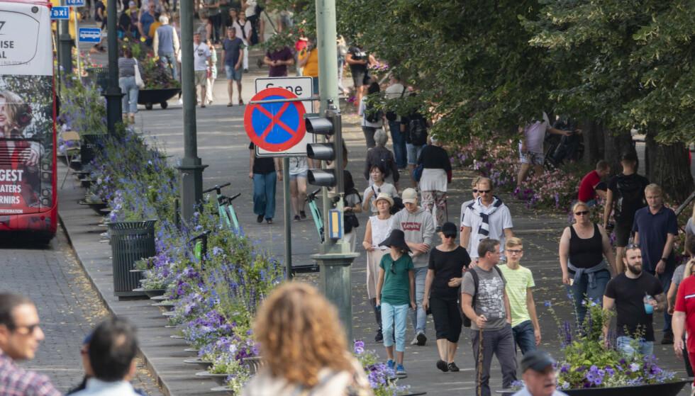ØKT AKTIVITET: Vaksineringen av befolkningen har kommet langt, og gjenåpningen av samfunnet vil gi et betydelig løft til den økonomiske aktiviteten i Norge framover, mener SSB. Foto: Geir Olsen / NTB