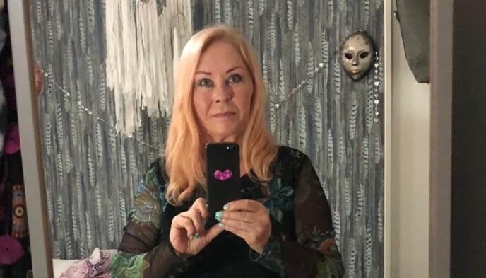 LENGE TIL ÅPNING: Mia Isaksen sier at hun ikke kommer til å åpne frisørsalongen sin før det blir høysesong. Foto: Privat
