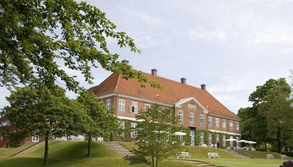STAKK AV: Et dansk brudepar stakk fra regningen på over 170 000 kroner etter den store dagen på Hindsgavl slot på Fyn. Foto: Ehrenberg Kommunikation.