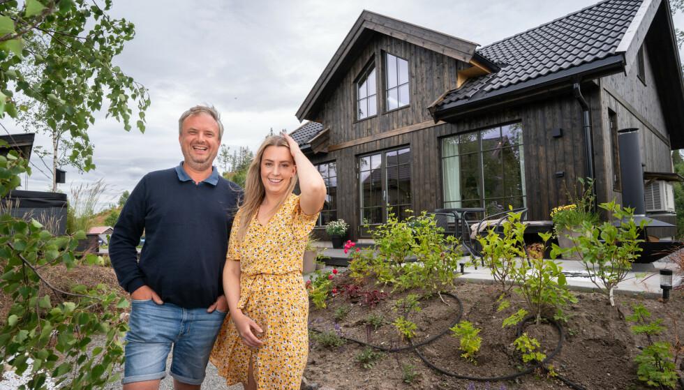 VANT HYTTA: Det var Kurt Rasmussen (48) og hans datter Veronica Johansen Rasmussen (26) som stakk av med seieren i årets sesong av «Sommerhytta». Foto: Espen Solli / TV 2
