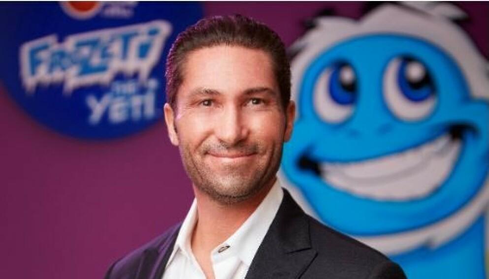ANKLAGES: Sjefen for det amerikanske iskrem-merket «Dippin' Dots», Stephen Scott Fischer, blir nå anklaget for å ha sendt seksualiserte bilder av ekskjæresten. Foto: dippindots.com