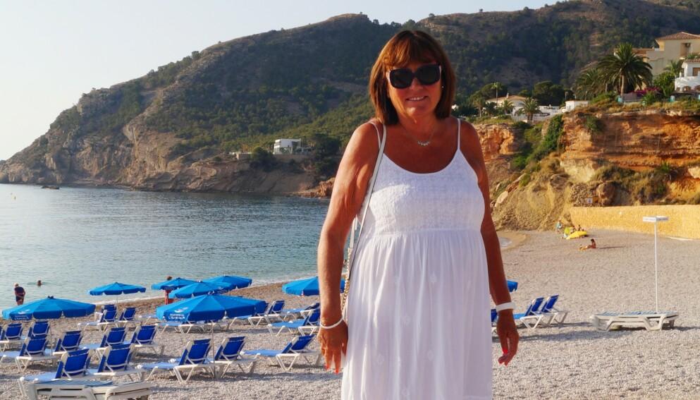 ALICANTE: Anne Birte Lockert driver Spaniahome i Alicante, og jobber med utleie og salg av ferieboliger, i tillegg til at det tilbys en rekke andre tjenester for norske turister. Foto: Privat