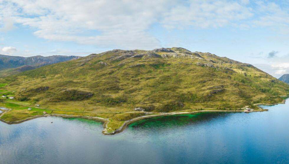 NATUR: - Et vakkert stykke Norge, mener mekleren. Foto: Sne Eiendomsmegling
