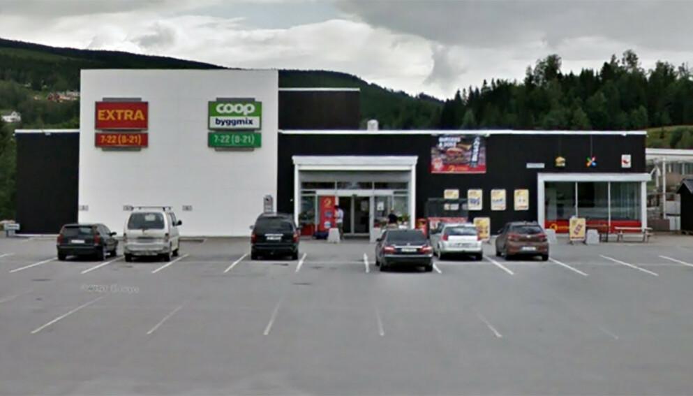 DUGNAD: Ved denne Coop-butikken ble ansatte spurt om gjøre butikken triveligere for kunder, på en søndag - uten lønn. Foto: Google Street View