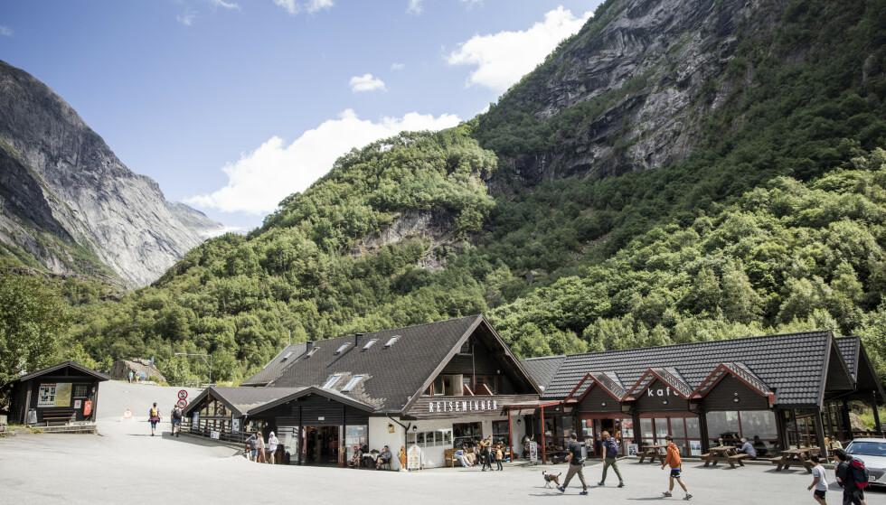 NORSK REKORD: Briksdalen Fjellstove har besøk av flere nordmenn enn de noen gang har hatt tidligere. Foto: Christian Roth Christensen / Dagbladet