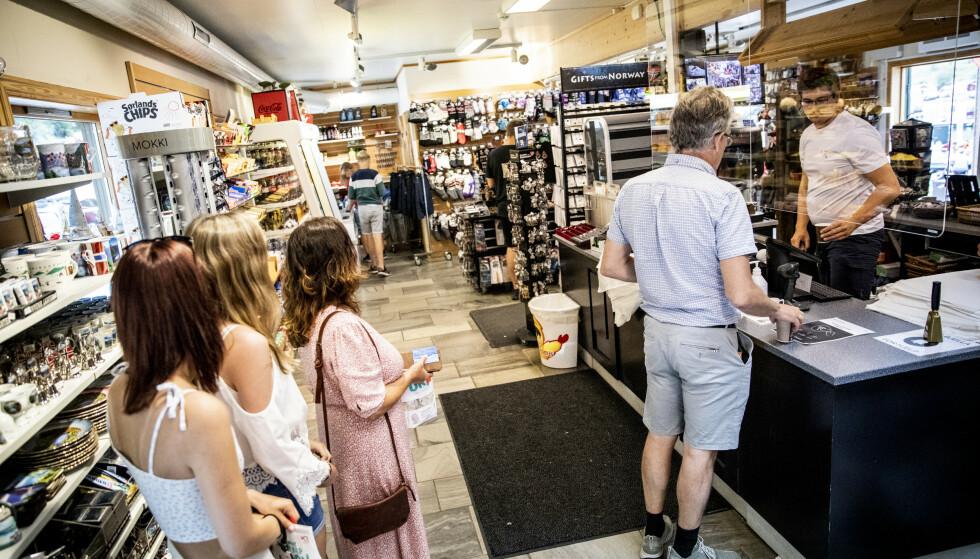 TYNT: Daglig leder forteller at det er tynt med folk. Før pandemien sto folk som sild i tønne. Foto: Christian Roth Christensen / Dagbladet