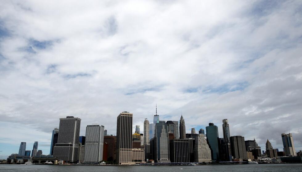 KRAV: New York vil kreve at du er vaksinert for at du skal få spise innendørs. Foto: REUTERS/Brendan McDermid