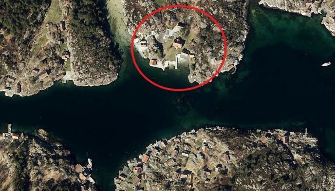 HYTTEBRÅK: Stordalens eiendom på Sandøya. Rett nedenfor ligger Helløya og Gamle Hellesund, der flere hytteeiere fortviler. Foto: Gulesider