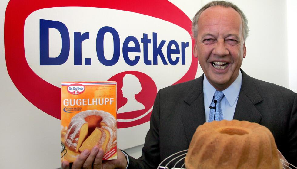 FAMILIEKRANGEL: En bitter familiekrangel splitter Dr. Oetker. Det er fjerde generasjon Oetker, August Oetker, som de sista åra har ledet bedriften. Her avbildet i 2005. Foto: Michael Sohn / AP / NTB