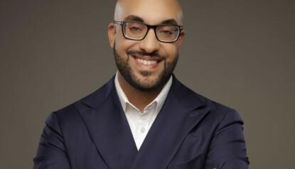 MEKLER: Norske Ali Al Musawi sto for salget. Han jobber for meklerhusets London-kontor. Foto: Nest Seekers International