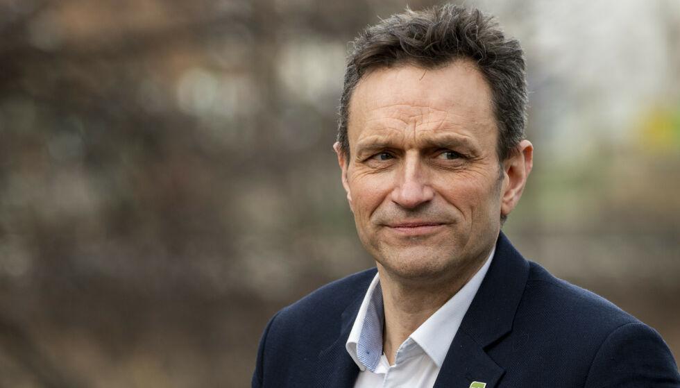 - VANVITTIG: MDG-nestleder Arild Hermstad lar seg kraftig provosere av Norsk olje og gass' reklamekampanje «Det store bildet». Foto: Terje Pedersen / NTB