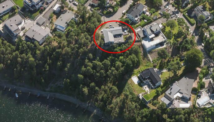 KJØPT I 2006: Thomas Myhre betalte i overkant av tolv millioner kroner for denne eiendommen på Ulvøya. Den skal siden ha blitt betydelig oppgradert. Foto: 1881.no / Norkart AS / Geovekst og kommunene / OpenStreetMap / NASA / Meti