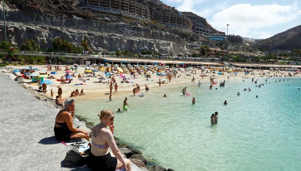 SYDEN: Hit til Gran Canaria er det mange nordmenn som drømmer om å reise, men for øyeblikket er det langt færre enn vanlig som gjør det. Foto: REUTERS / Borja Suarez / NTB