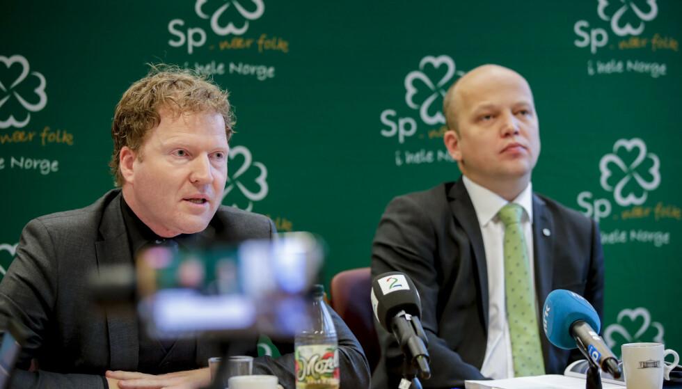 SENTERPARTIET: Sigbjørn Gjelsvik avbildet sammen med partileder Trygve Slagsvold Vedum. Foto: Vidar Ruud / NTB