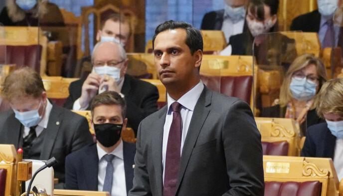 LØNNSTAK: Mudassar Kapur (H) påpeker at det er et lønnstak for ledere i staten som lønnes på kontrakt. Foto: Ole Berg-Rusten / NTB