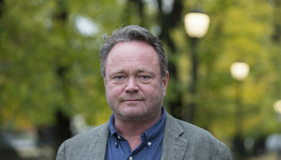 FORLANGET BEKLAGELSE: TV 2-reporter Fredrik Græsvik var ikke fornøyd med å bli harselert med i investorens Whatsapp-gruppe. Nå skal han ha fått en beklagelse. Foto: Vidar Ruud / NTB
