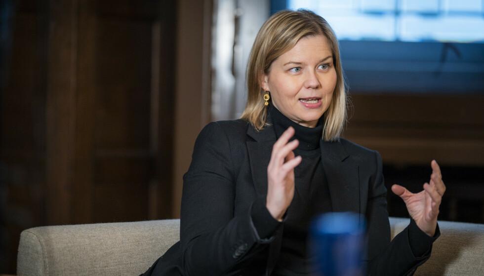ADVARER: Venstre-leder og avtroppende kunnskapsminister Guri Melby frykter vi kan se lignende scener som i Storbritannia hvis en ny regjering setter EØS-avtalen i spill. Foto: Heiko Junge / NTB
