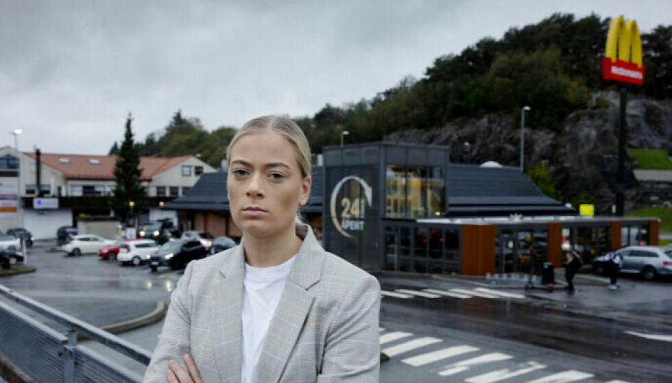FIKK NOK: Julie Follesø var tidligere fulltidsansatt hos McDonald's, men sluttet i protest. Foto: Paul S. Amundsen