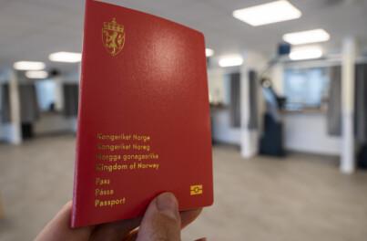 Image: Én million må ha nytt pass